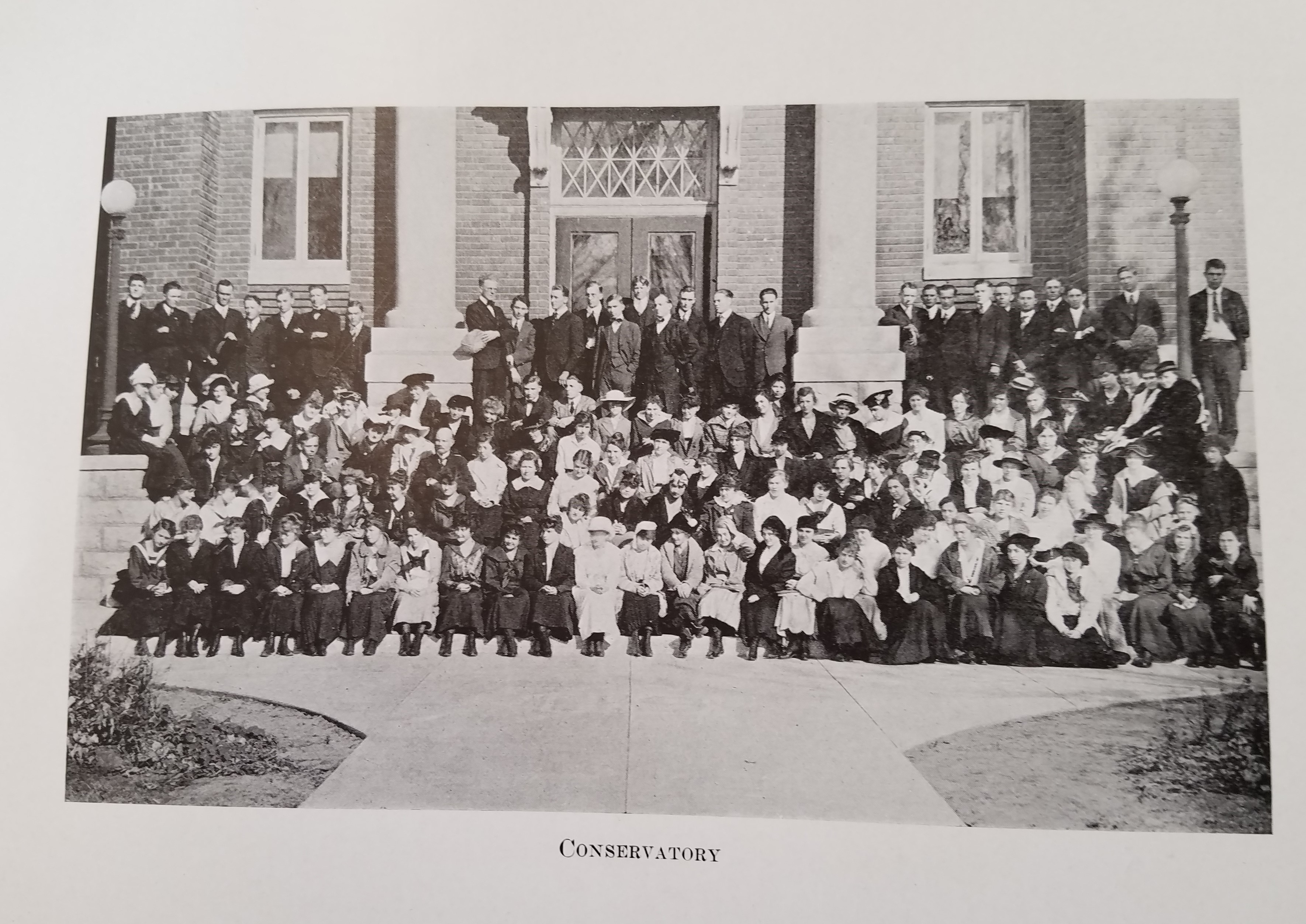 conservatory-yearbook-1917